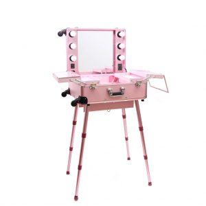 ピンク色メイクステーション